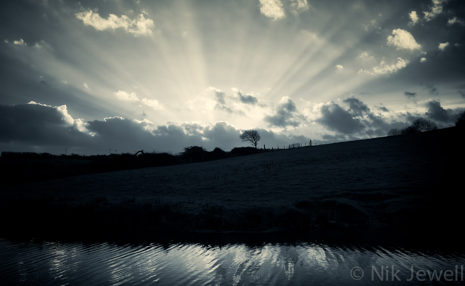 After-Godbeams, Bude Canal