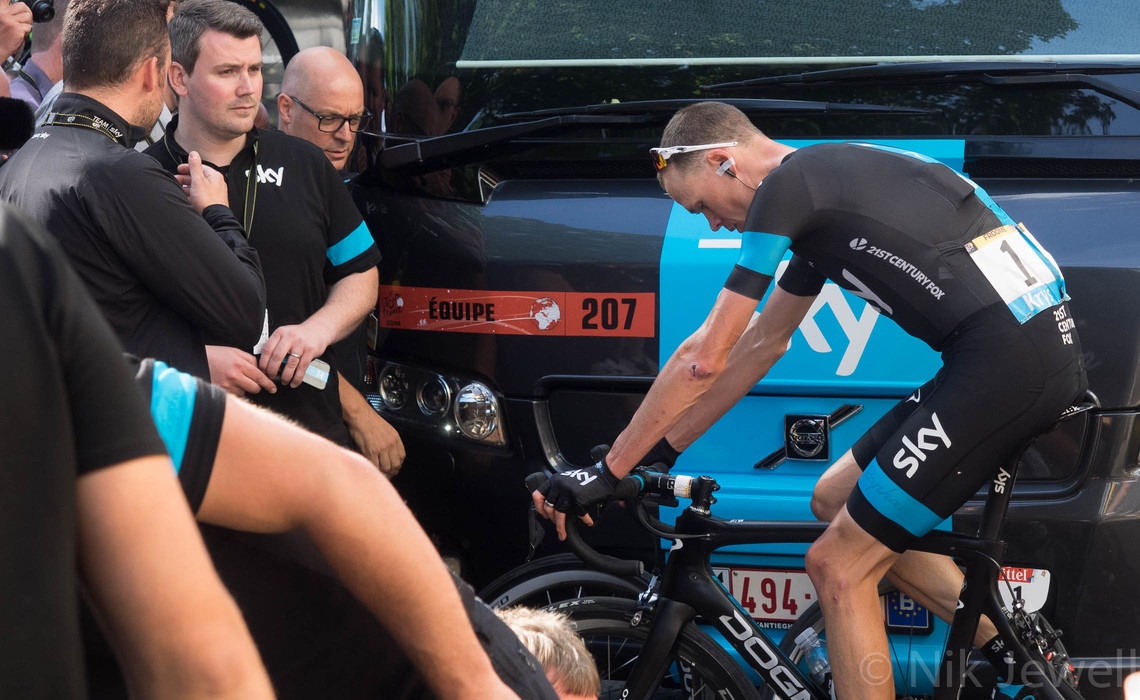 TdeF 07: Harrogate, Chris Froome warming down