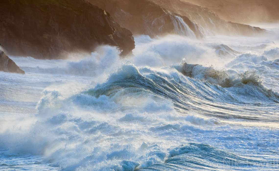 Image of wave complexity of shore break at Porthleven