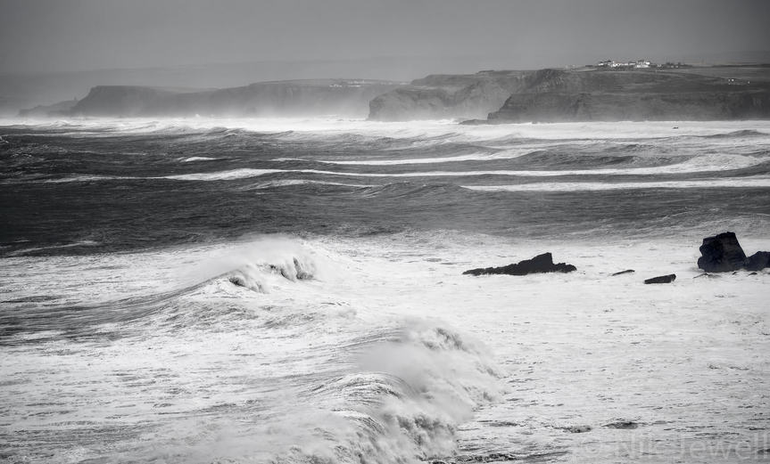The cliffs between Bude and WIdemouth Bay from above Millook Haven during the arrival of the huge swell of the fourth atlantic storm of 2014
