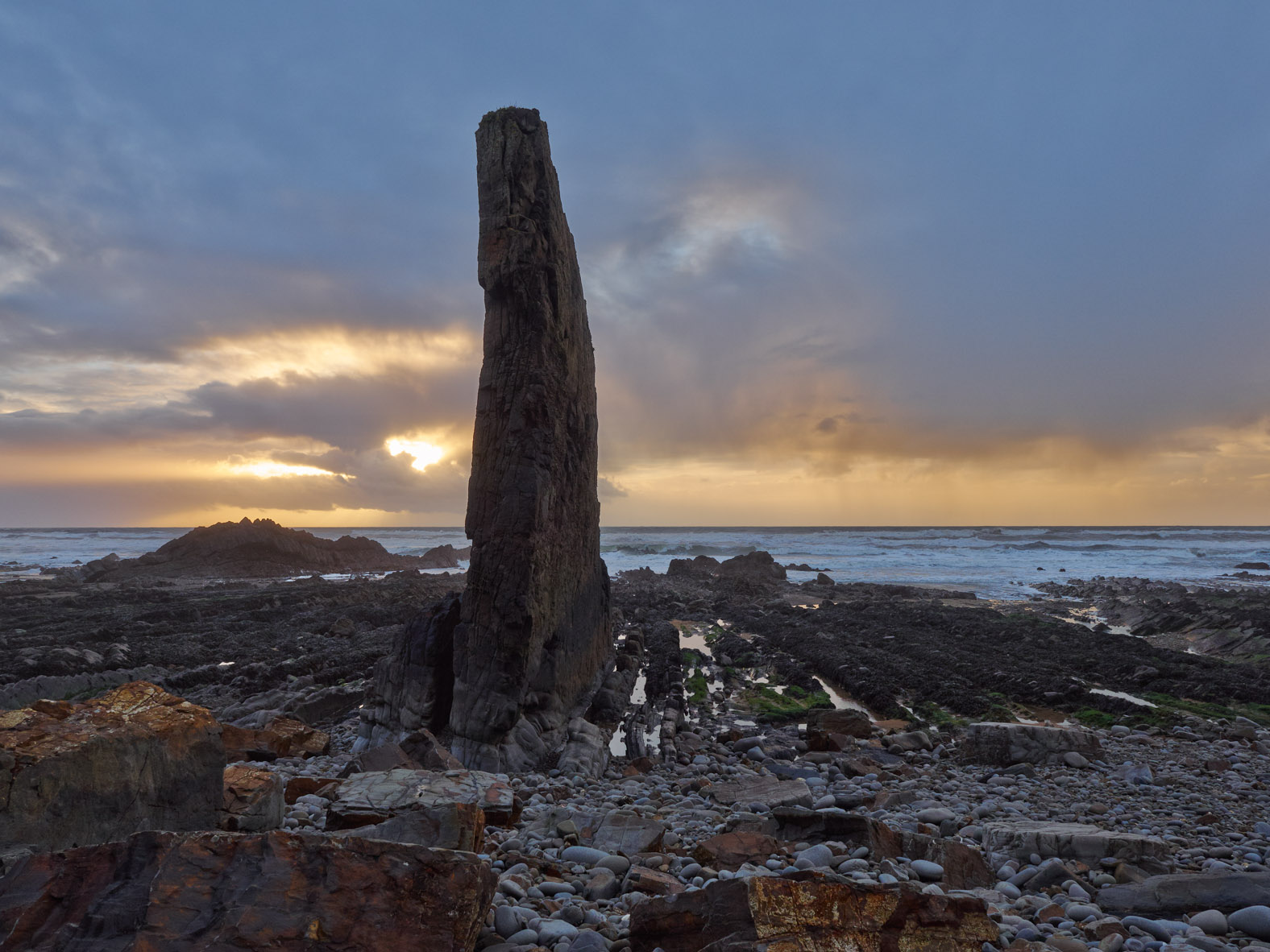 Unshore Rock, Northcott Mouth converted in Capture One Pro